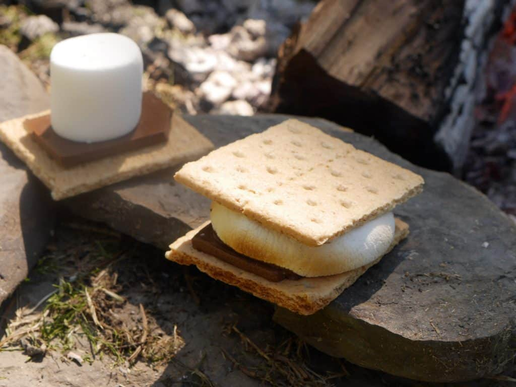 How to Make Smores Without A Stick