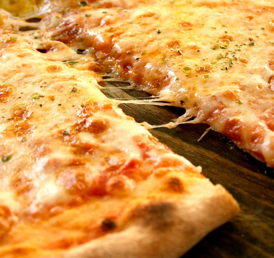 How to cook Pizza over a Campfire